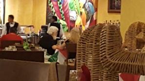 Santa's primo buffet seating
